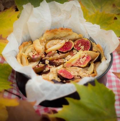 Placek figowo-gruszkowy z kruszonką z amarantusa